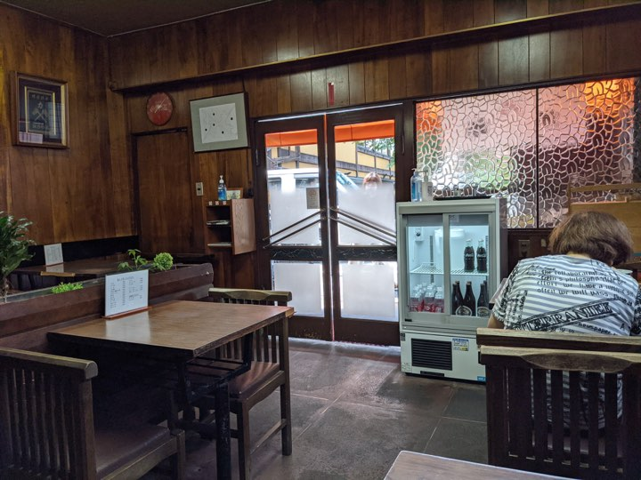 大和大路の力餅食堂さんの店内